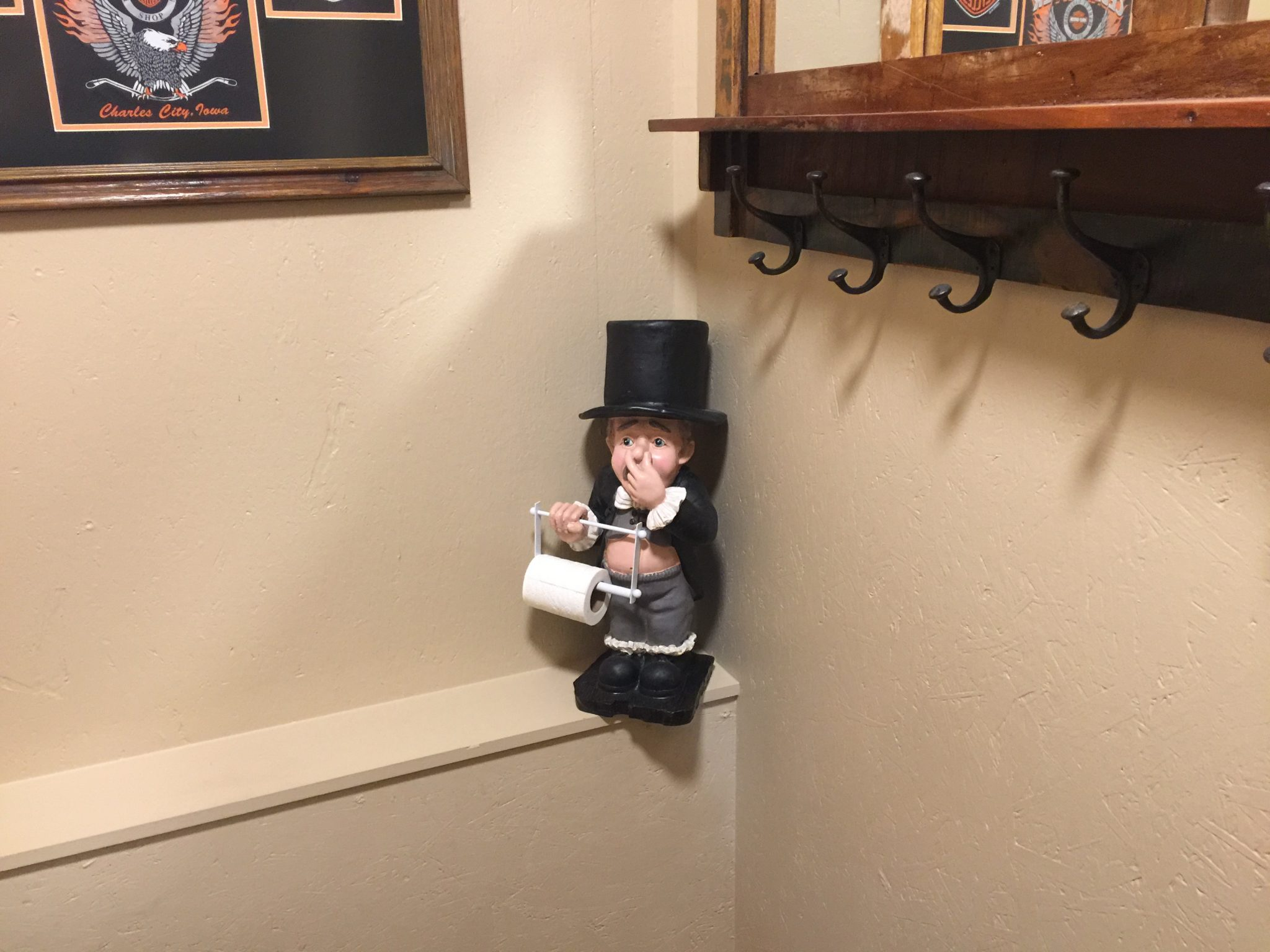 Picture of my new addition to the bathroom. My new butler. He is in the corner. LOL 071075